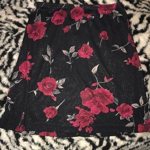 Wrapper Small Black and red floral pattern skirt